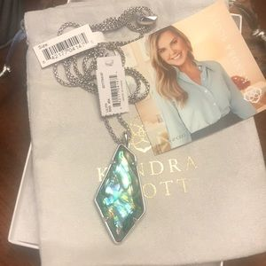 NWT Kendra Scott Lilith Necklace in Abalone!!